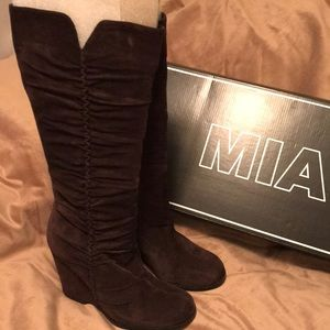 MIA tall suede boots size 9 dark brown wedge heel